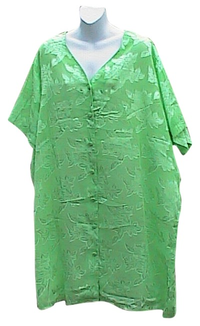 Preload https://item3.tradesy.com/images/light-green-floral-blouse-size-28-plus-3x-6024457-0-0.jpg?width=400&height=650