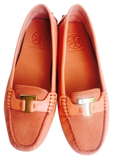 Preload https://item4.tradesy.com/images/tory-burch-orange-leather-loafer-new-with-tags-flats-size-us-7-regular-m-b-6031468-0-0.jpg?width=440&height=440