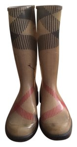 Burberry Rain Beige Traditional Burberry checkered colors; tan/red/black/white Boots