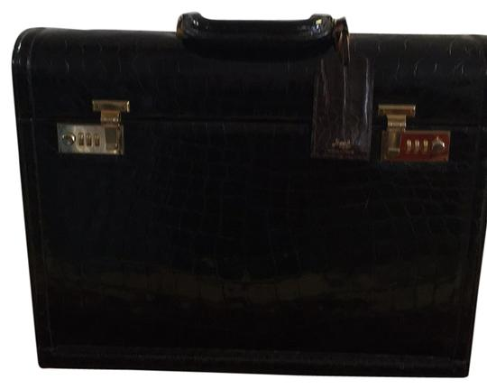 Preload https://item4.tradesy.com/images/vintage-attache-chocolate-crocodile-laptop-bag-6033598-0-0.jpg?width=440&height=440