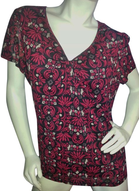 Croft & Barrow Top Red & ivory graphic on black