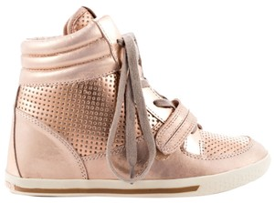 Vince Camuto Rosegold Wedges