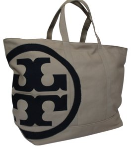 Tory Burch Tote in NATURAL TORY NAVY
