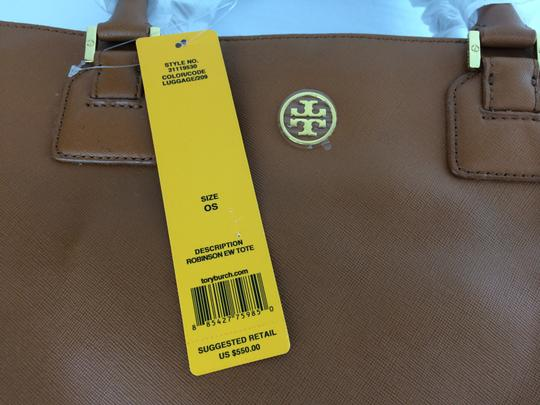 Tory Burch Robinson Ew Large East West Tote in Luggage Brown