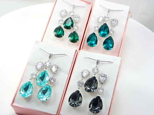 Green- Emerald Swarovski Crystal Sterling Silver Post Gift Necklace and Earrings Jewelry Set