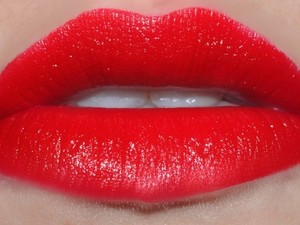 MAC Cosmetics MAC Mind Control lipstick - Brooke Candy Collection Bright Cherry Red amplified - BNIB