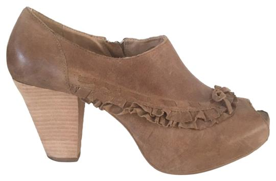Miss Albright Camel Boots