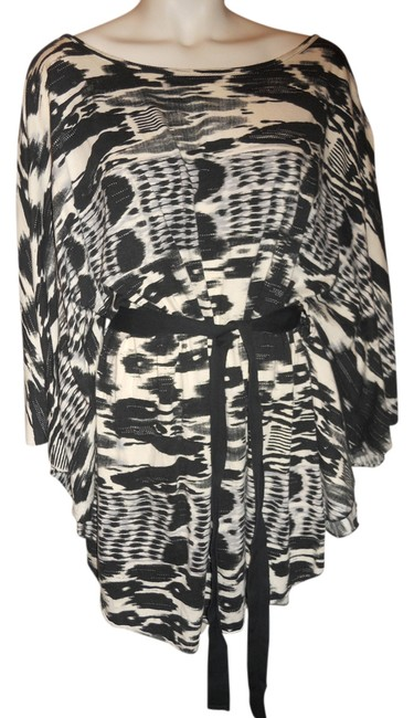 Preload https://item3.tradesy.com/images/black-white-and-grey-poncho-tunic-size-20-plus-1x-6046852-0-0.jpg?width=400&height=650