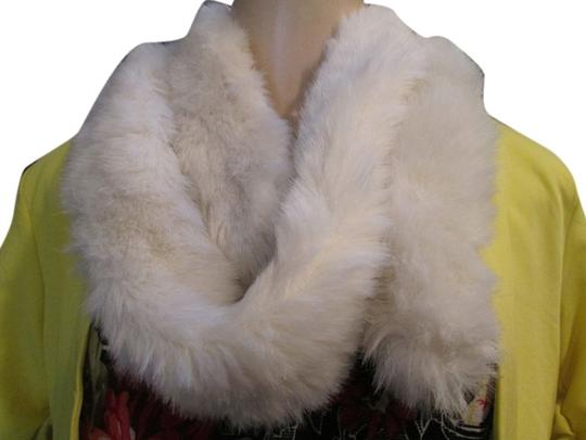 Preload https://item1.tradesy.com/images/off-white-winter-fur-neck-stole-scarfwrap-6048220-0-0.jpg?width=440&height=440