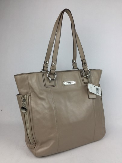 Coach Leather Silver Hardware Tote in Putty