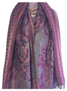 Beautiful floral pashmina with golden threads