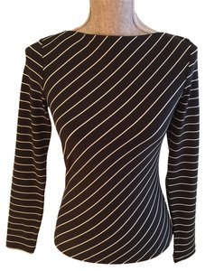Express Casual Casual Size Small Size Small Stripe Stripe Boat Neck Boat Neck Top Black and White