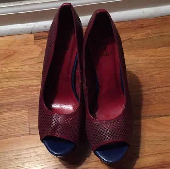 ShoeDazzle Maroon with blue sole accent Pumps