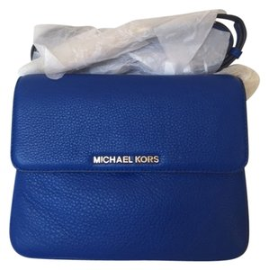 0f33d6daab44a Added to Shopping Bag. Michael Kors Cross Body Bag. Michael Kors Bedford  Double Gusset ...