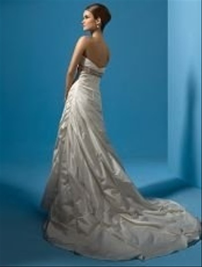 Alfred Angelo 2116 Wedding Dress