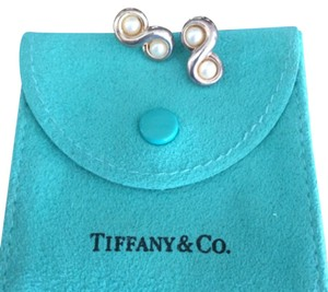 Tiffany & Co. Figure eight pearls