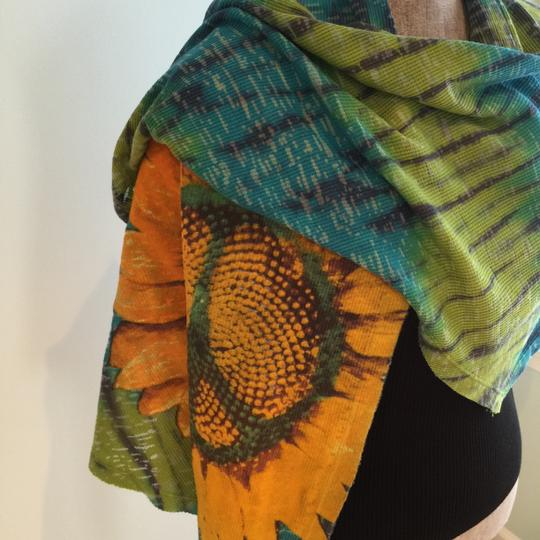 Lucky Brand Lucky Brand Multi-Colored Sunflower Versatile Scarf/Wrap