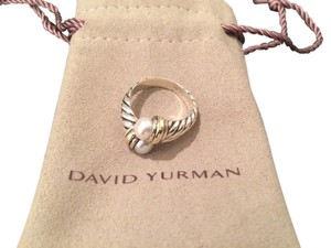 David Yurman David Yurman Pearl Crossover Ring