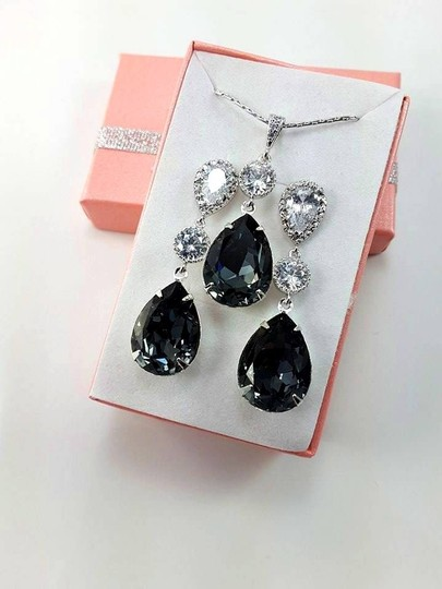 Black Swarovski Crystal Diamond Sterling Silver Post Gift Necklace and Earrings Jewelry Set