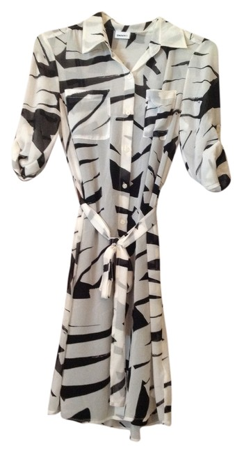 Preload https://item2.tradesy.com/images/dkny-shirt-above-knee-workoffice-dress-size-4-s-6067261-0-0.jpg?width=400&height=650