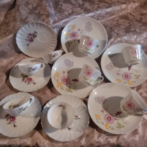 8 Shabby Romance Cup & Plate Sets For Centerpiece Designs