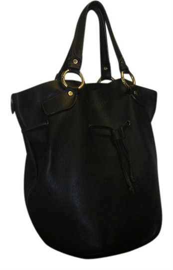 Preload https://item5.tradesy.com/images/cesare-paciotti-drawstring-shoulder-black-leather-hobo-bag-6069649-0-0.jpg?width=440&height=440