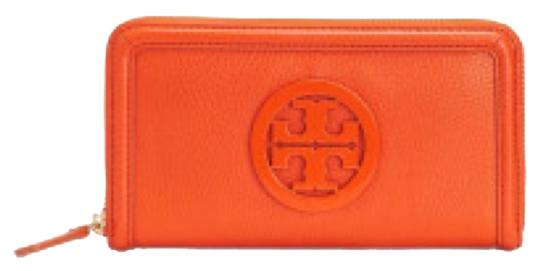 Preload https://item2.tradesy.com/images/tory-burch-orange-leather-continental-new-with-tags-wallet-6072346-0-0.jpg?width=440&height=440