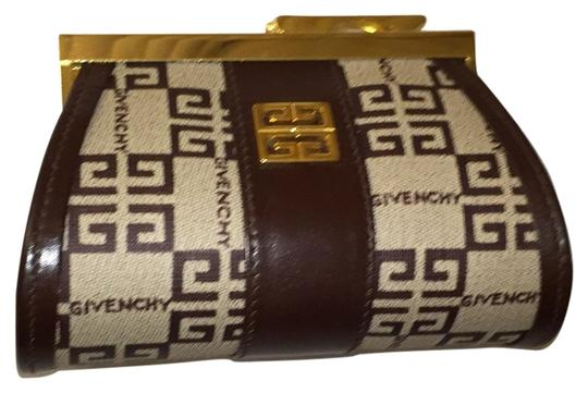 Preload https://item1.tradesy.com/images/givenchy-brown-and-beige-barrel-coin-purse-no-22-925-wallet-6073780-0-0.jpg?width=440&height=440