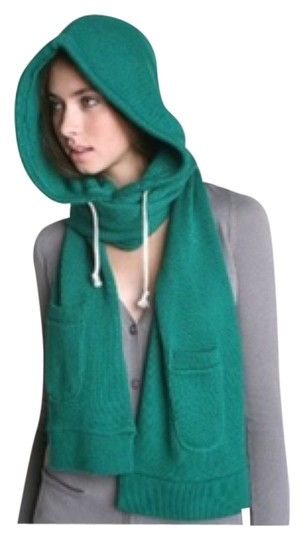Preload https://item1.tradesy.com/images/urban-outfitters-green-scarfwrap-6075505-0-0.jpg?width=440&height=440