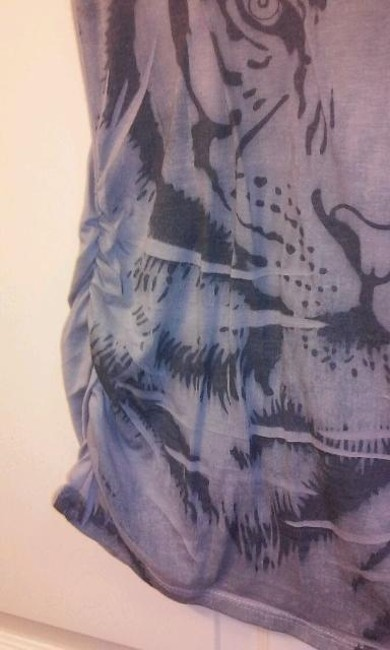 Belly by Design T Shirt gray with a lion on the front