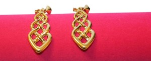 Beautiful Dangling Clip On Earrings