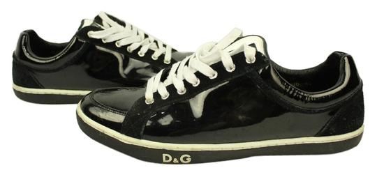 Preload https://item2.tradesy.com/images/dolce-and-gabbana-black-white-athletic-6079186-0-2.jpg?width=440&height=440