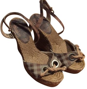 Burberry London Classic burberry pattern with snake skin Wedges
