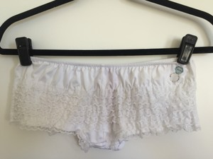 Bridal Lace Ruffle Boy Shorts - Size M/l