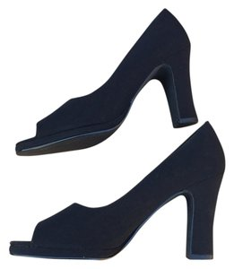 Amanda Smith Blac Pumps