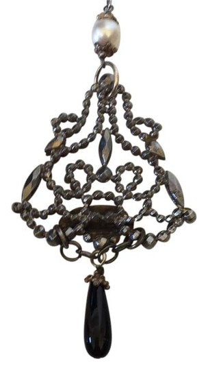 Preload https://item5.tradesy.com/images/antique-french-pendant-6082834-0-0.jpg?width=440&height=440