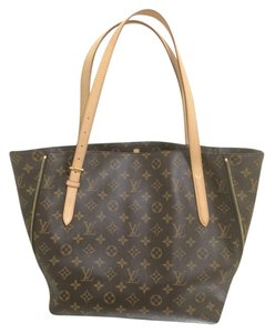 Louis Vuitton Hangbag Purse Lv Canvas Leather Monogram Voltaire Shoulder Studded Luxury Rare Designer Tote in Brown