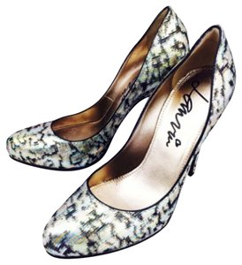 Lanvin Pumps Metallic Platforms