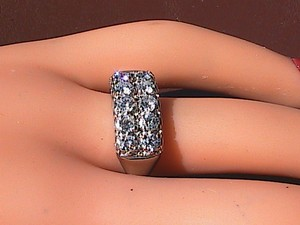 14k White Gold 1.3 Cts Wedding Band Ring
