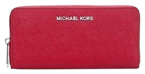 Michael Kors Wristlet in Chili