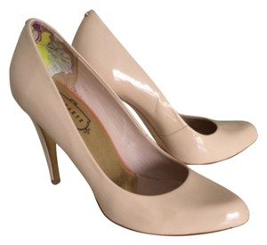 Ted Baker Nstural patent leather Pumps