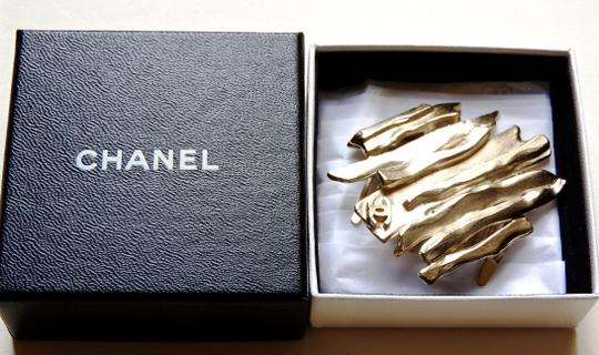 Chanel CHANEL Handcrafted Gold Hair Brooch Pin Comb Baret