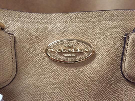 Coach Light Gold /nude Leather Satchel in Nud