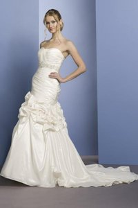Liz Fields 9050 Wedding Dress