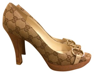 Gucci Gg Peep Toe Monogram Beige Pumps