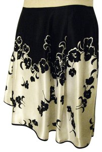 White House | Black Market 100% Silk Above-knee Floral-pattern Skirt Black and Off-White