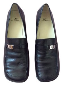 Anne Klein navy blue Flats