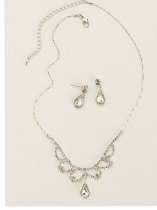 David's Bridal Scalloped Necklace With Pear Shaped Drop Earrings