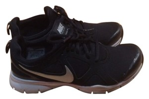 Nike Blac Athletic