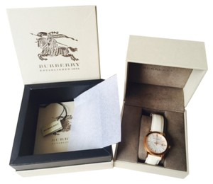 Burberry Swiss-made with Sapphire Crystal and Date display
